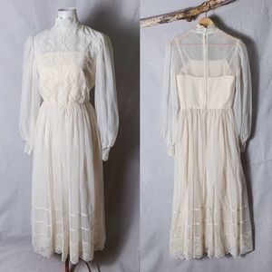 VINTAGE HANDMADE Boho Wedding Dress